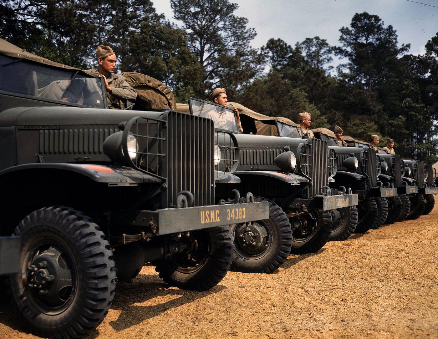 1a35184u - Mai 1942 : Détachement motorisé à la base USMC de New River, North Carolina.